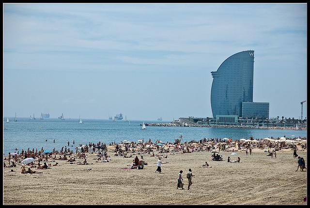 El barrio de la Barceloneta (Barcelona) por Motarile - Creative Commons