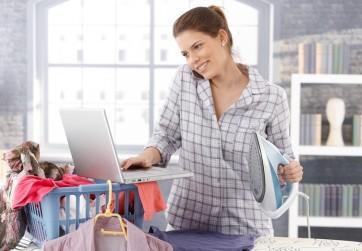 Mujer joven busca alquilar un piso a buen precio