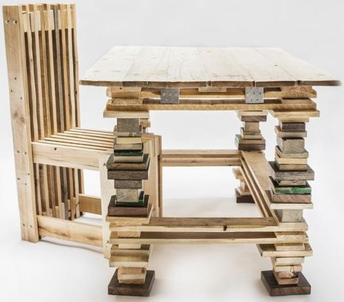 Mesa y silla con palés