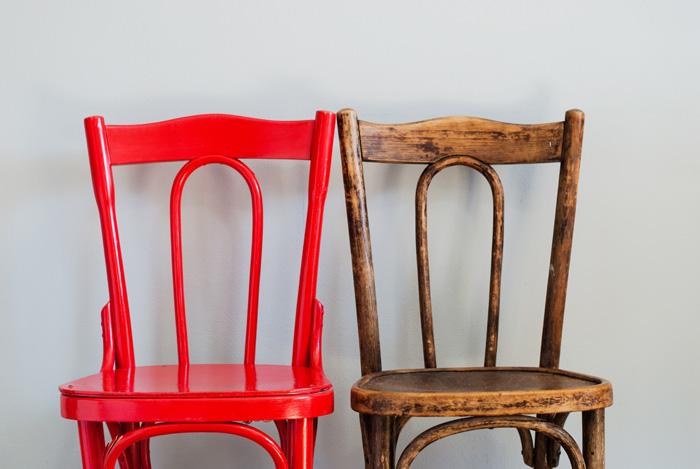 Restaurar una silla es un buen pasatiempo en verano