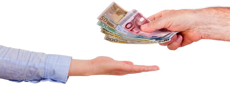 dar dinero en mano por alquiler piso