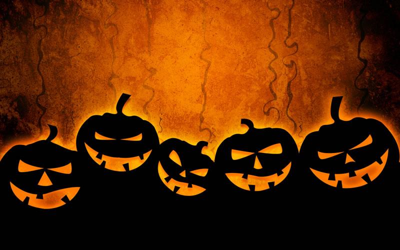 Decoracion Baño Halloween:Crea unos murciélagos utilizando el plástico negro de las bolsas de