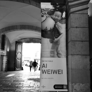 Consejo de #enalquiler: si estás por #Barcelona, no te pierdas la exposición #OnTheTable de #AiWeiwei. #laVirreina Centre de la Imatge.