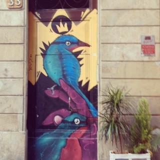 • Hay una historia detrás de cada puerta... • #barcelona #raval #streetart