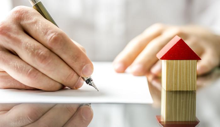 firmar contrato de alquiler de piso