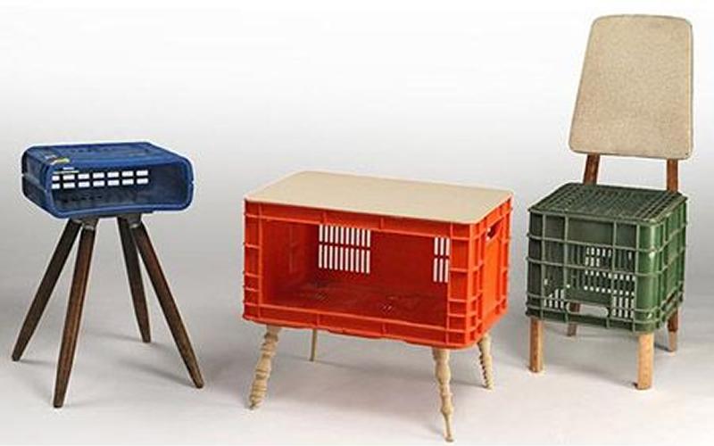 Taburete, silla y mesita nacidas de cajas de frutas- Fuente: Manualidadesdehogar.com