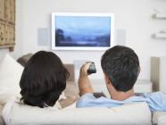 Inquilinos viendo la televisión