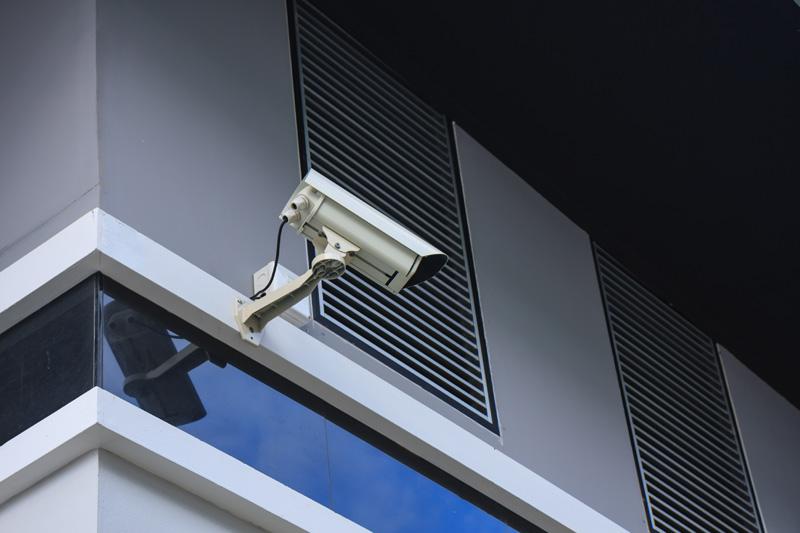 Poner cámaras de vigilancia sin permiso por el presidente