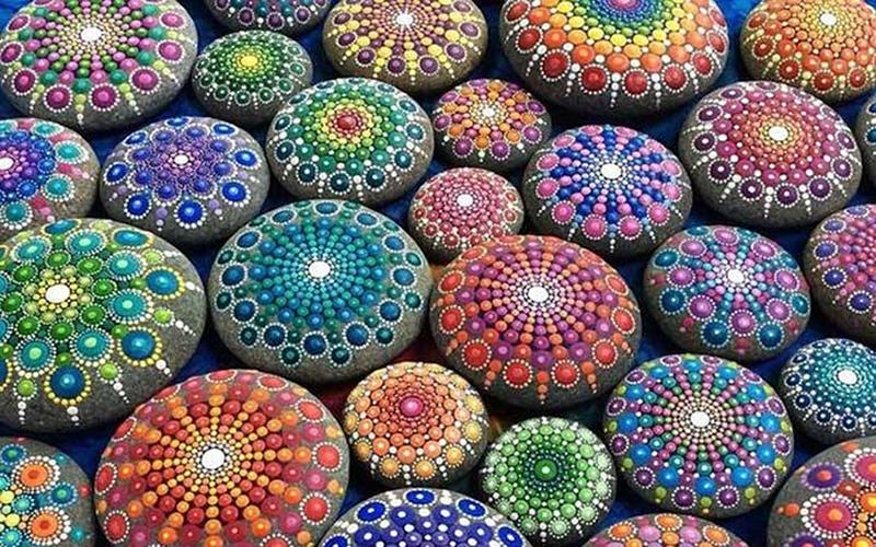 Pinta Mandalas En Piedras Y Olvidate Del Mundo Enalquilercom - Pinturas-de-mandalas