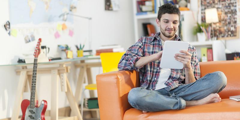 estudiante en piso en alquiler