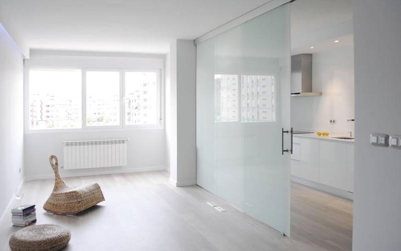 Decoración con cristal para pisos pequeños