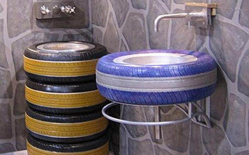 Muebles reciclados - Pilas de baño hechas con neumáticos