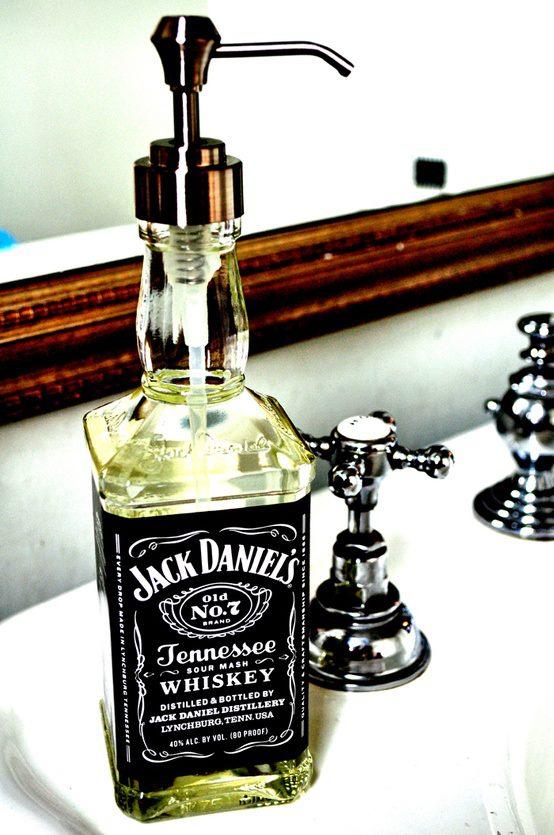 Reciclaje en el baño - Botella reciclada para hacerla jabonera