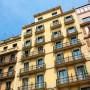 edificio de pisos en alquiler