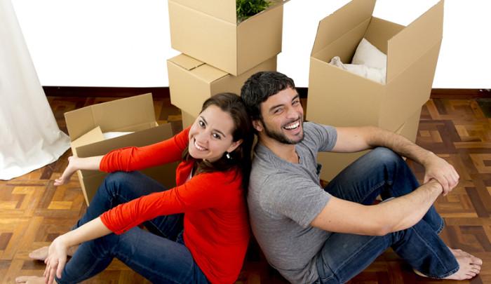 inquilinos de mudanza en piso en alquiler