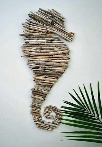 caballito de mar hecho con ramas de madera de mar