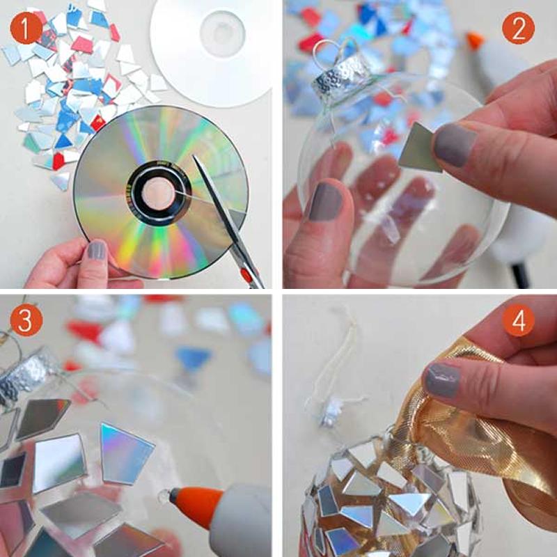 bola de Navidad con CDs