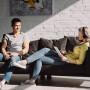 pareja de inquilinos en piso en alquiler