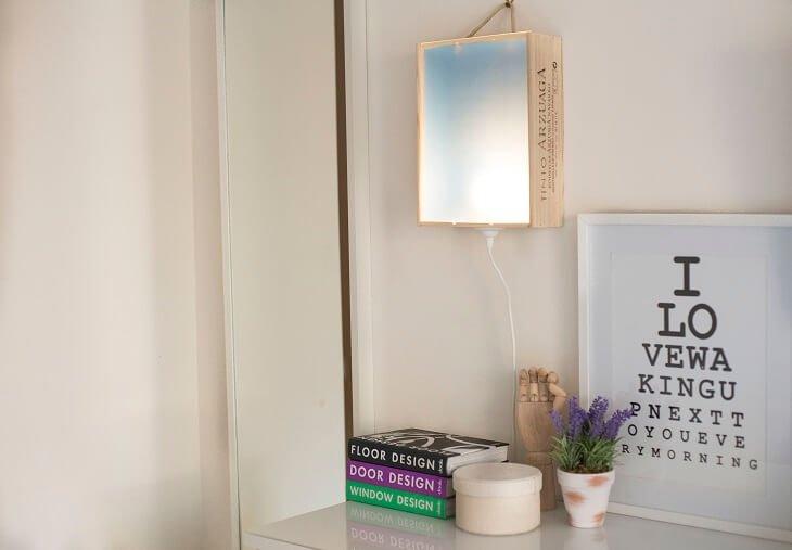 lampara con caja de vino